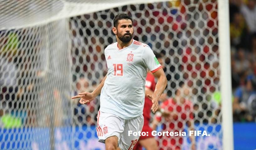 Diego Costa celebrando su segundo tanto en el partido España vs Portugal.