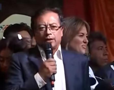 Gustavo Petro con 41,8 % de los votos.