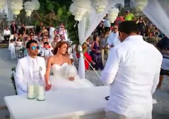 La boda de Nataly Umaña y Alejandro Estrada.