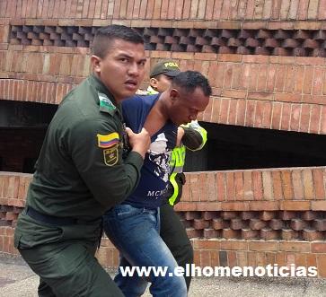 El sicario es capturado por la Policía.