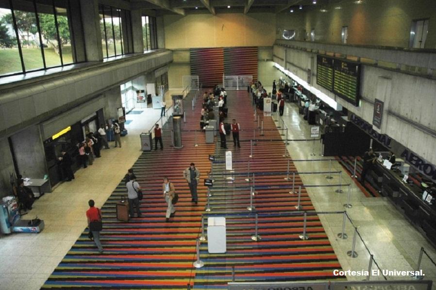 """Aeropuerto Internacional de Maiquetía """"Simón Bolívar""""."""