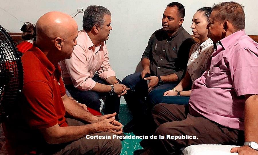 Presidente Duque junto a los padres de Cristo José.