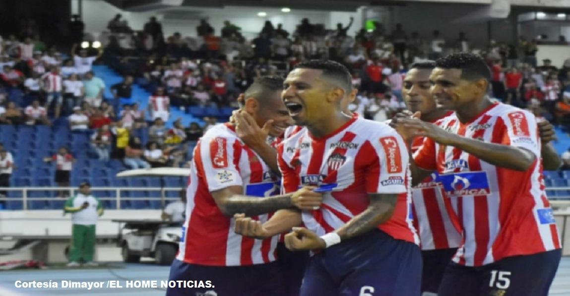 James Sánchez celebra su gol que pone a su equipo Junior en la final de fin de año.