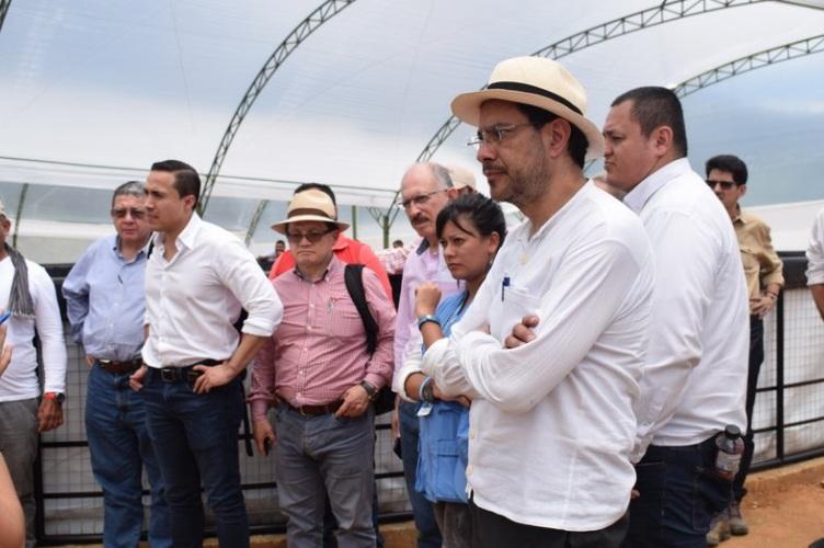 En estos helicópteros que están operando de forma irregular fue en el que viajó una delegación del Espacio Territorial de Capacitación y Reincorporación (ETCR) de Miravalle, Caquetá,.