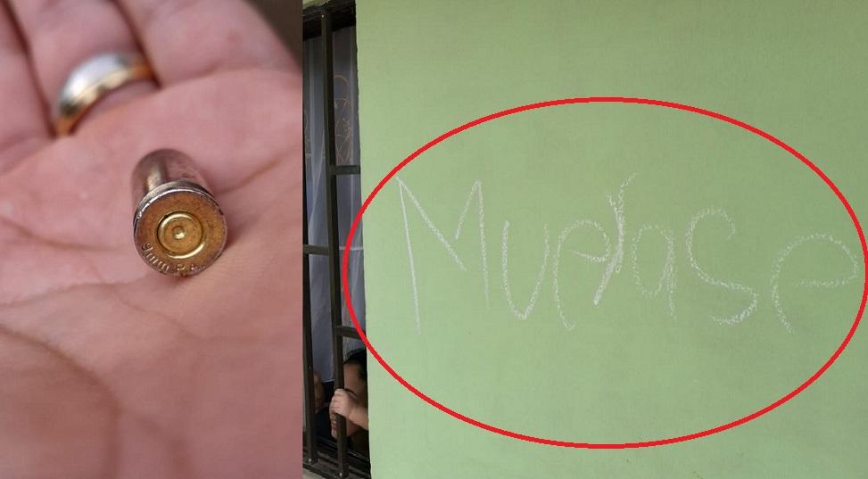Con un letrero escrito a mano y con tiza en una de las paredes de la oficina desconocidos dan a conocer amenazas de muerte. Además, frente a la vivienda fueron halladas dos vainillas de balas 9 milímetros.