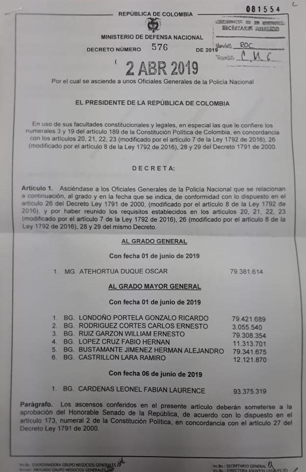Este es el decreto con el que se asciende a varios generales de la Policía. En esta lista están los brigadieres generales Gonzalo Ricardo Londoño Portela y Fabio López Cruz.