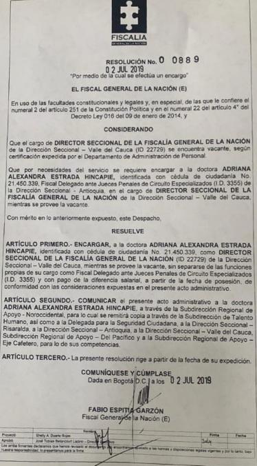 Con esta resolución, que contiene la firma del fiscal General (e) Fabio Espitia Garzón, la Fiscalía movió de su cargo a la directora regional de Risaralda, Adriana Estrada Hincapié.