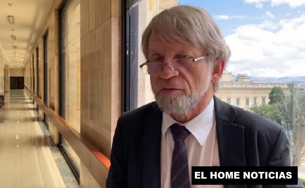 Antanas Mockus, exalcalde de Bogotá salva su curul.
