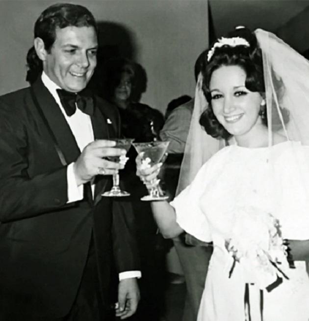 María Antonieta de las Nieves en su matrimonio. Hace 48 años.