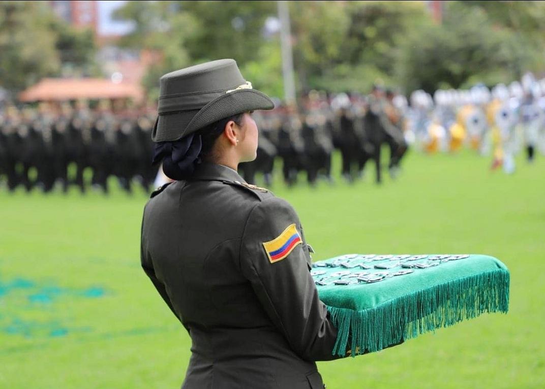 Ceremonia de posgrado en la Policía.