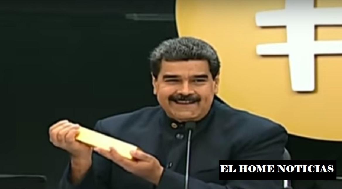 Nicolás Maduro muestra el oro.