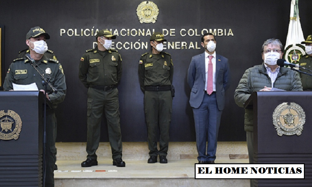 Ministro de Defensa y subdirector de la Policía.