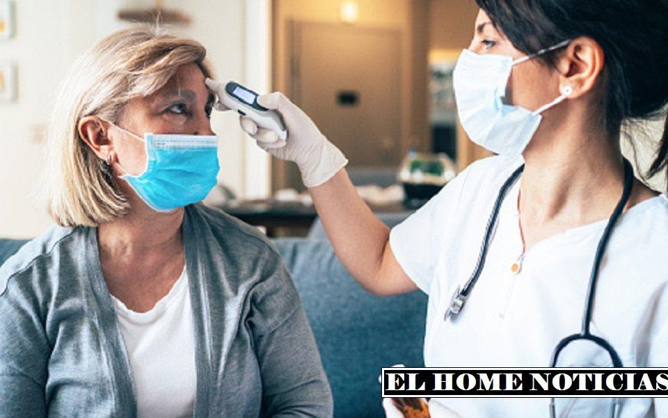 Adultos mayores y personal de la salud