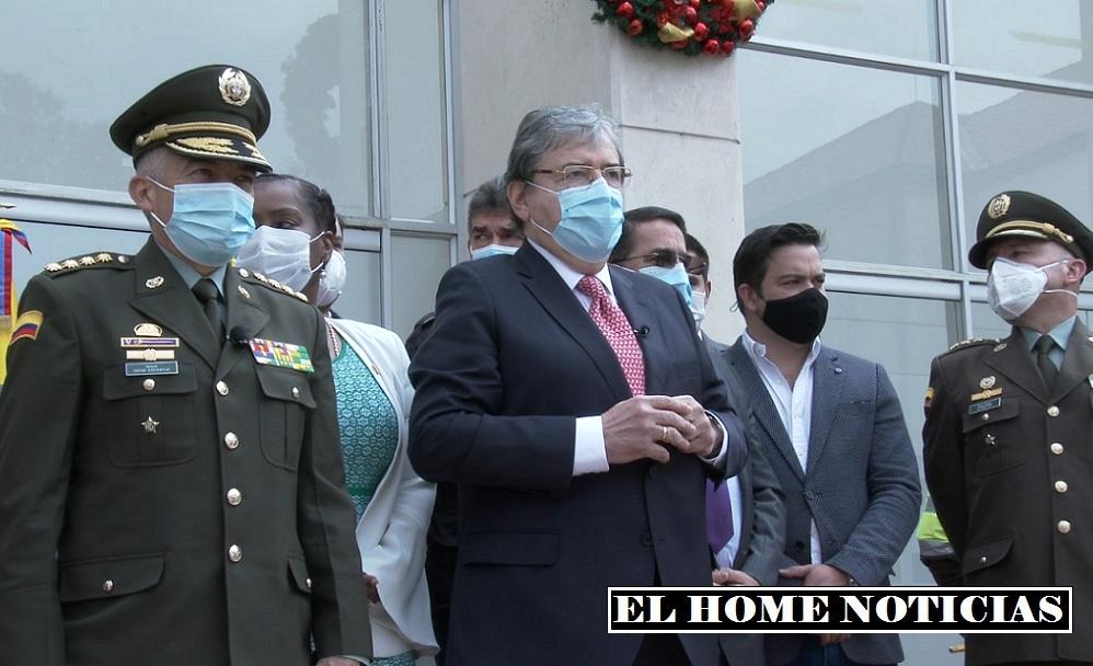 general Óscar Atehortúa y Carlos Holmes Trujillo