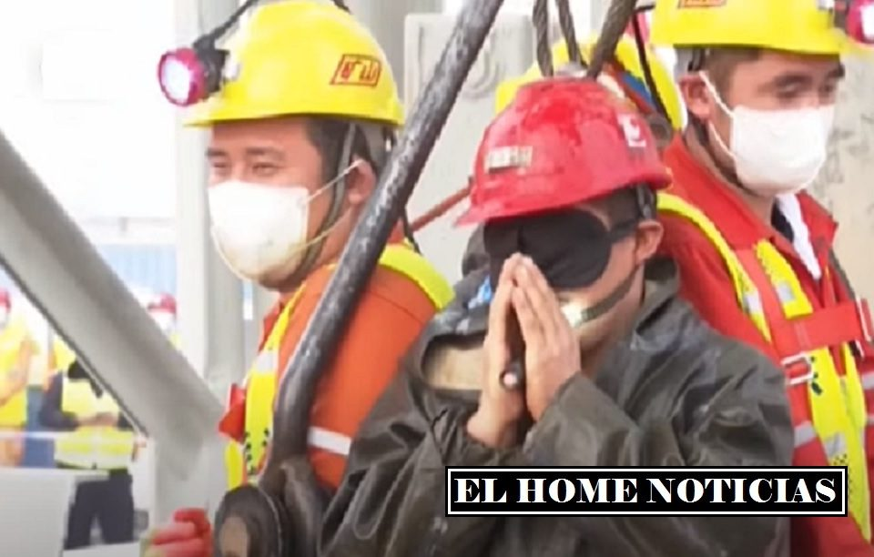 Mineros atrapados en China.