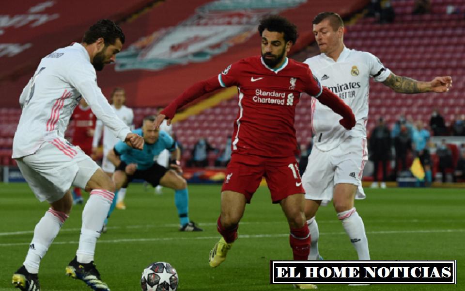 Klopp se la jugó con Firmino y Thiago Alcantara para ahogar la defensa madridista, que hasta el momento solo veía como manejaba la pelota su rival y solo apelaba a los contragolpes, haciendo un denso ataque con el egipcio Salah