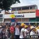 Una inmensa ciudadanía caleña salió a las calles a protestar en contra de los violentos, del vandalismo y el saqueo.