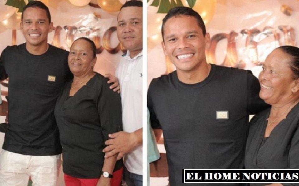 Carlos Bacca posa junto a su madre, en el cumpleaños de ella en el 2020.(Foto Cortesía: MARCA Claro).