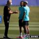 Tite habla con Gabriel Jesús y Gabriel Barbosa 'Gabigol', preparando su juego ante Ecuador.