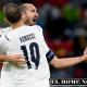 Bonucci y Chiellini, celebran juntos el paso a las semifinales de la Euro.