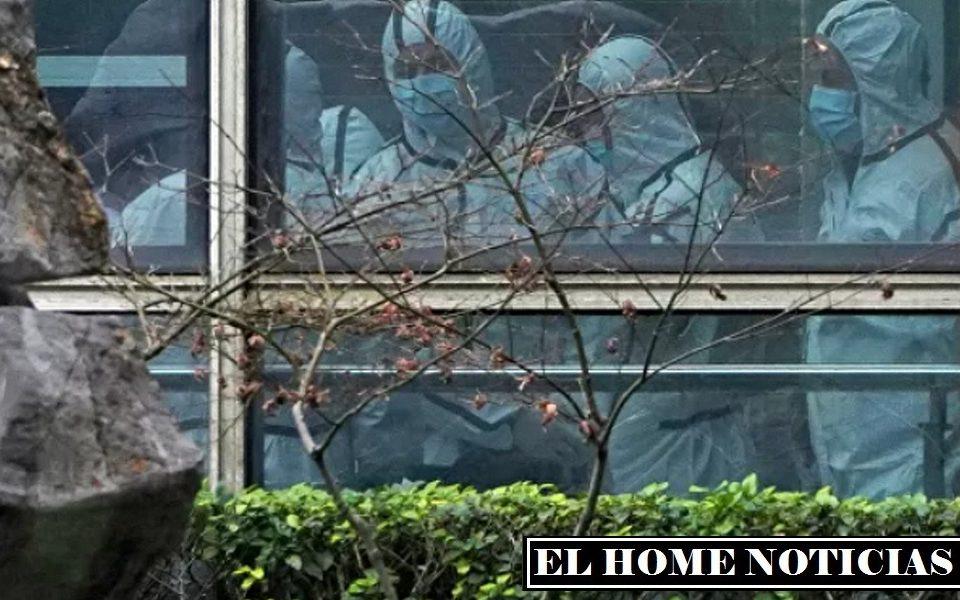 Los expertos del Centro Chino para el Control y la Prevención de Enfermedades (CDC), a su vez, sugirieron que el coronavirus podría haberse llevado a Wuhan en paquetes de alimentos congelados.