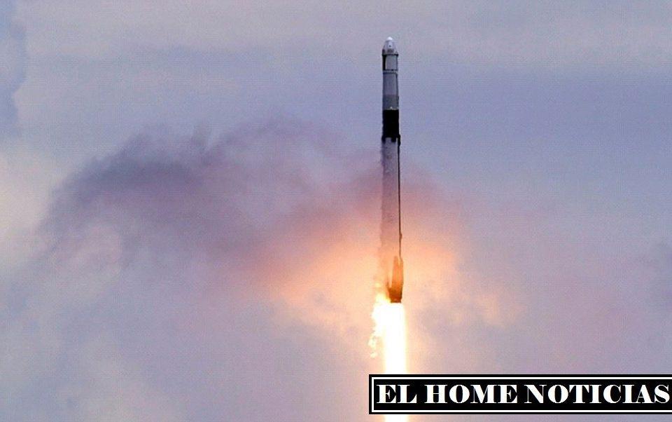 SpaceX es, sin duda, el jugador más establecido en la creciente constelación de empresas comerciales de cohetes.