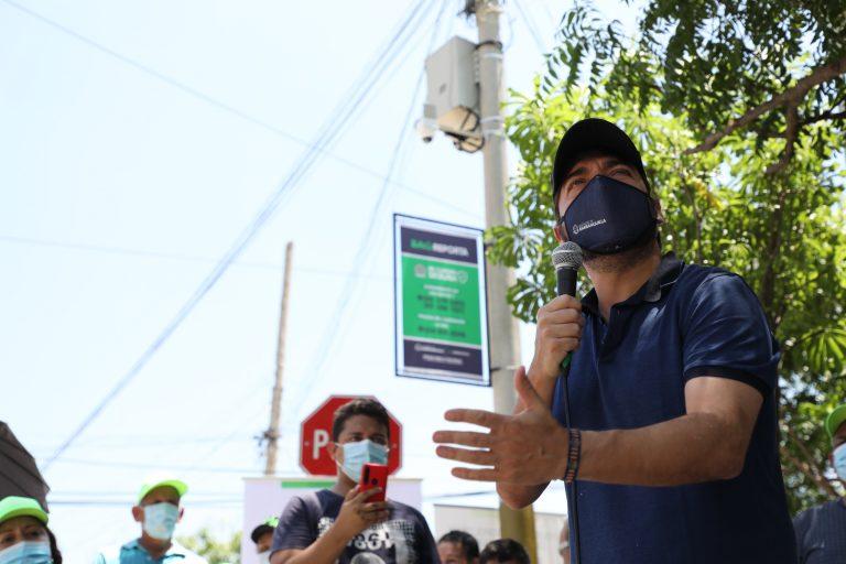 El alcalde Pumarejo informó que se entregarán 100 alarmas comunitarias para los barrios.