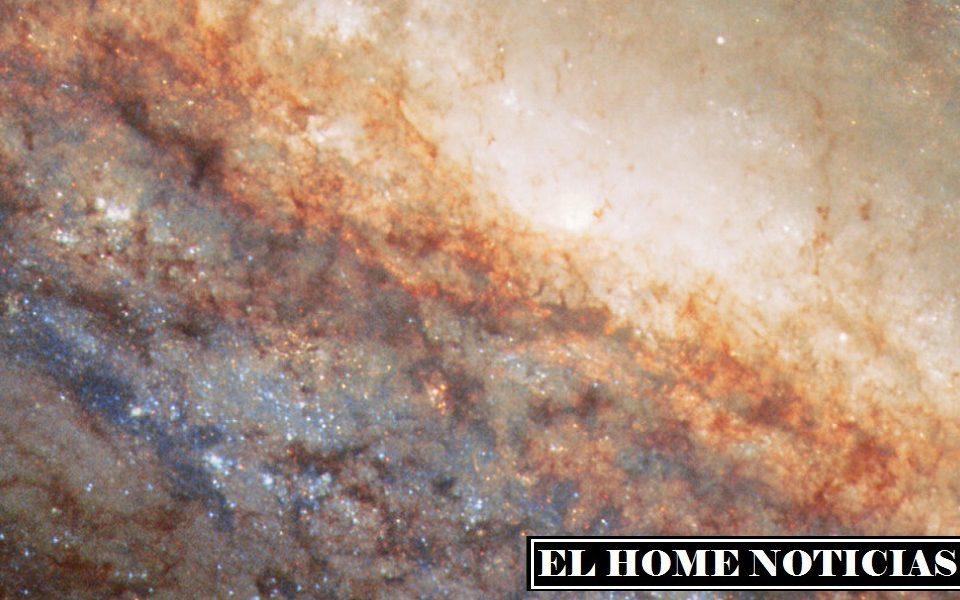 Se cree que el estallido de formación estelar NGC 4666 está asociado a la interacción gravitacional con sus galaxias vecinas